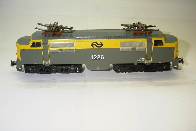 3168x NS 1225 zij.JPG