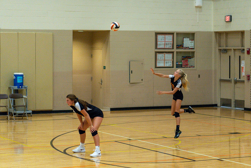 NRMS vs ERMS 8th Grade Volleyball 9.18.19-4994.jpg