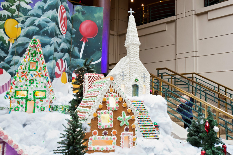 CG075 gingerbread village.JPG