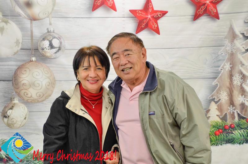 Christmas Photobooth 2018-049_01.jpg