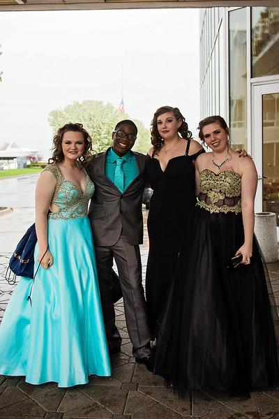 Lamphere Prom 2018 - NikiCollis (12).jpg