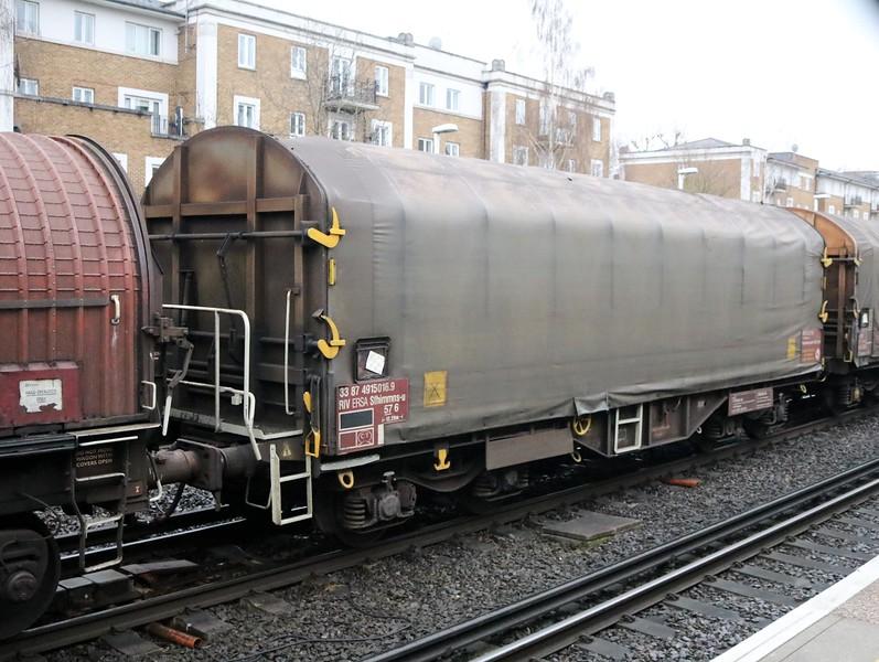 33874915016-9 seen at Kensington Olympia on 6v32 Grain-Margam   31/03/18