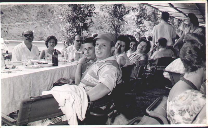 1961 -Pique-nique no Fucauma Casal Emidio Santos, casal Orlando Morais, casal Morgado ....