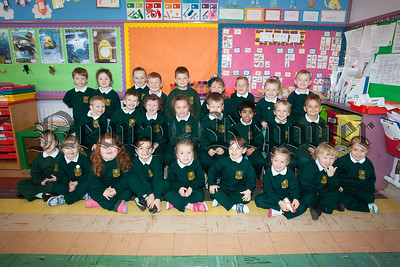 Mrs McKernan's Primary 1 Class 2015/16. R1539006