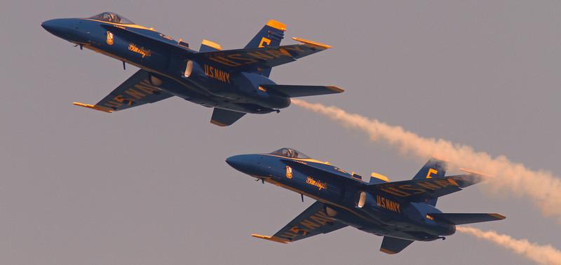 WB~blueangelstwoflybyclose1280.jpg