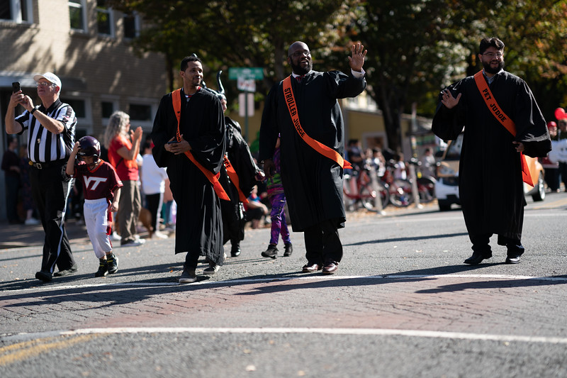 Del Ray Halloween Parade 704.jpg