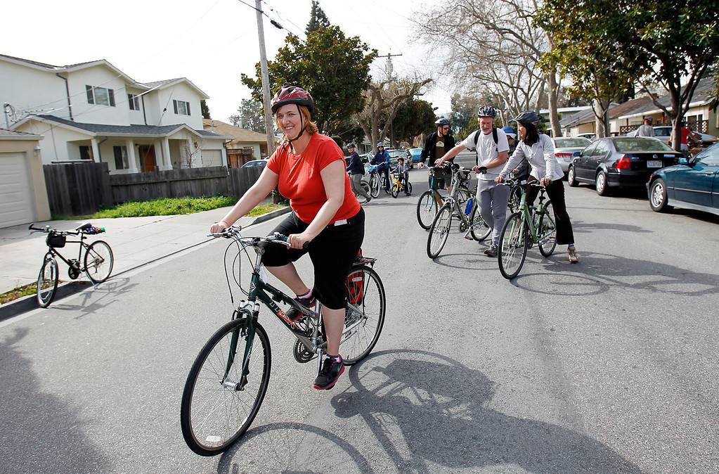 . Great Streets Rengstorff Park  Co-founder Wendee Crofoot heads toward California Street on Chiquita Ave. during the Great Streets Rengstorff Park Neighbor Bike Tour in Mountain View, Calif. on Sat., March 2, 2013. (LiPo Ching/Staff)