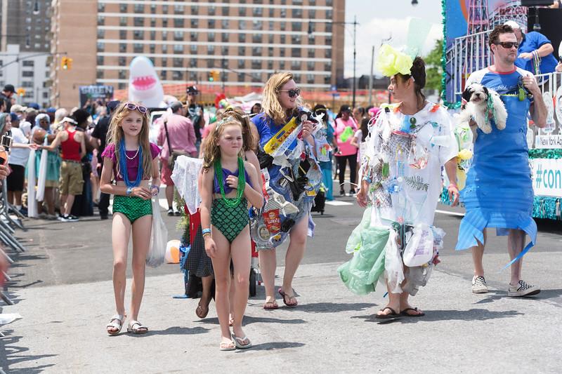 2019-06-22_Mermaid_Parade_1396.jpg