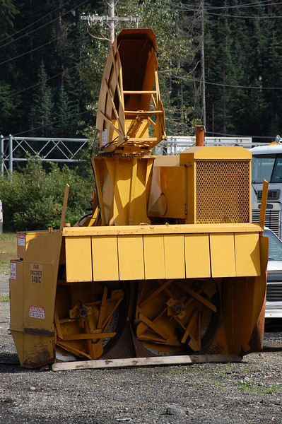 Trucks:Heavy Equipment