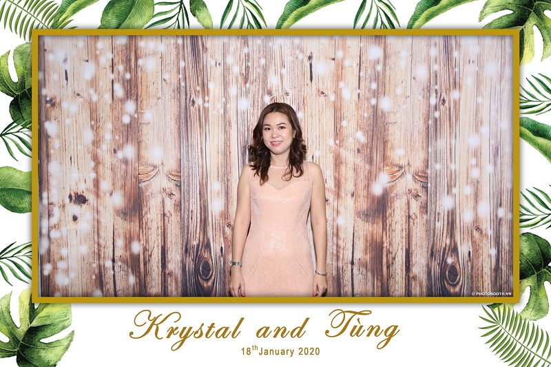 Krystal-Tung-wedding-instant-print-photo-booth-in-Ho-Chi-Minh-City-Chup-hinh-lay-lien-Tiec-cuoi-WefieBox-Photobooth-Vietnam-004.jpg