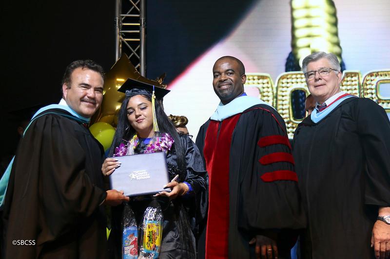 20180615_StudentServGrad-diplomas-115.jpg
