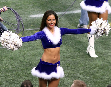 2013 MN Vikings Cheerleaders vs Eagles (Dec 15, 2013)