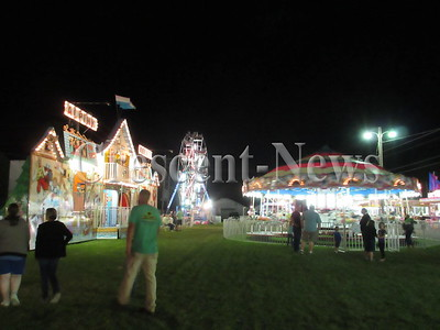 08-24-15 NEWS LN night fair