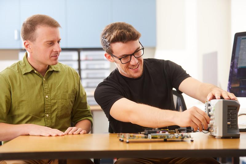 2019 UWL Elliot Forbes Laik Ruetten Computer Engineering Lab 0121.jpg