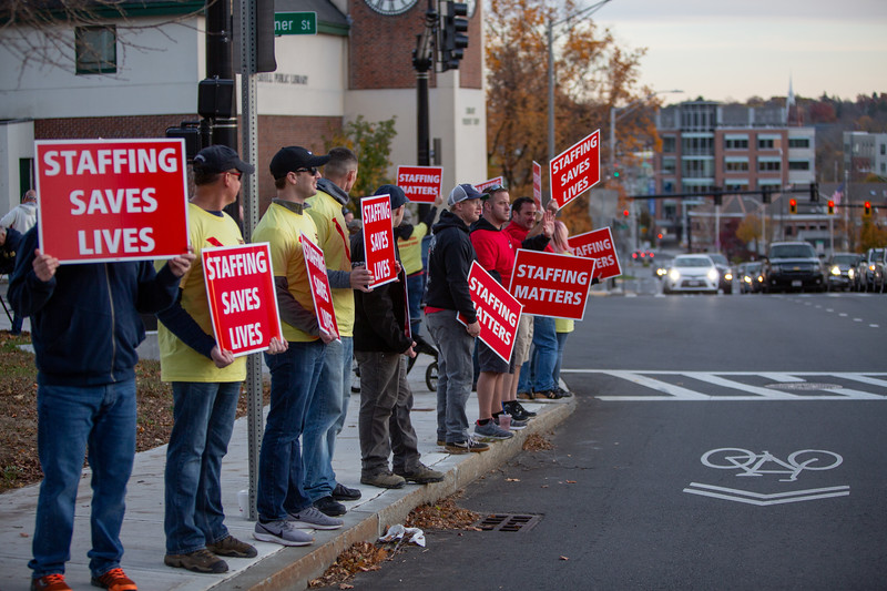 11-4-2019 Staffing Picket (94).jpg