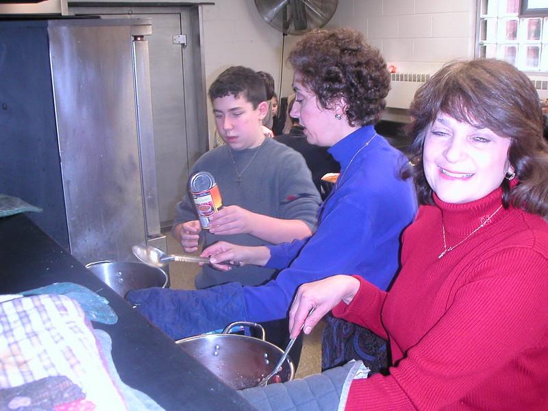 2002-12-15-JOY-Shelter-Meal_016.jpg