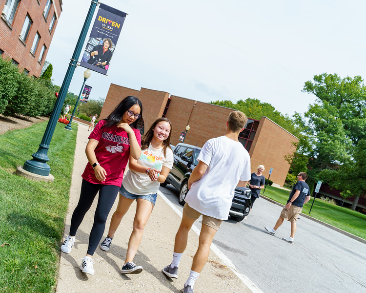 RHIT_Freshman_Move_In_Day_2019-8572.jpg