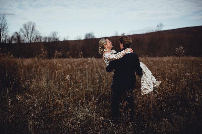 Requiem Images - Luxury Boho Winter Mountain Intimate Wedding - Seven Springs - Laurel Highlands - Blake Holly -915.jpg