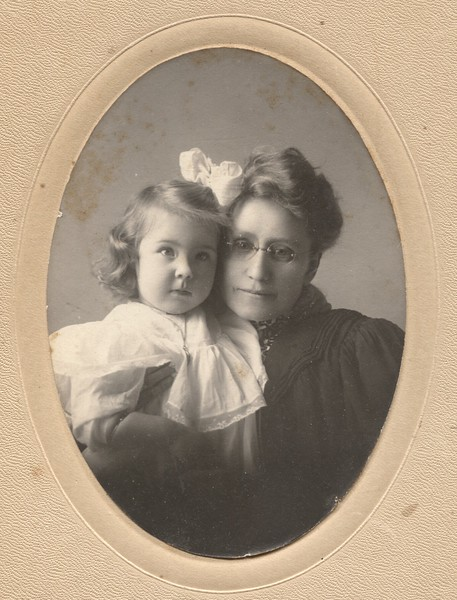 Bjornson-Family-001.jpg