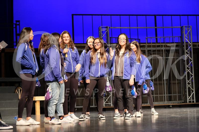 13 Girls Waterpolo.jpg