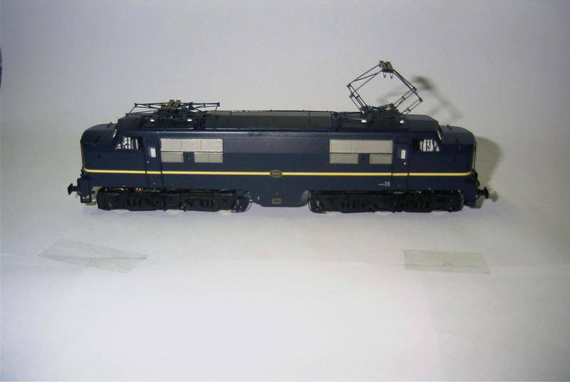 philotrain 870-24-3 1204 berlijns blauw zonder zij.JPG