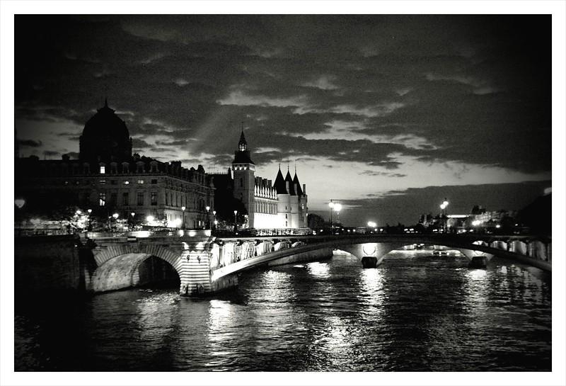 ParisBW.JPG