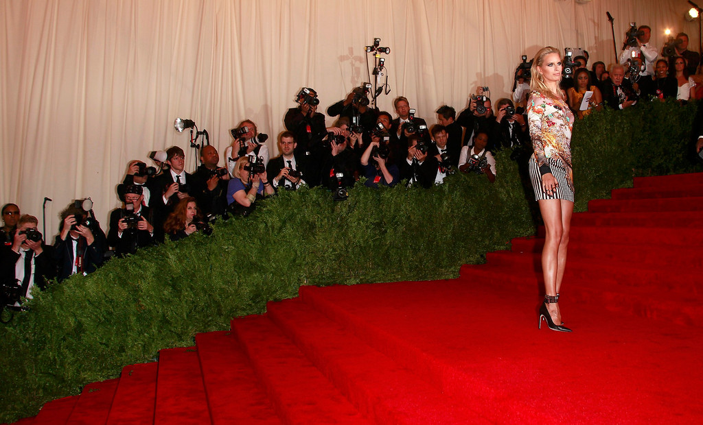 """. Model Karolina Kurkova arrives at the Metropolitan Museum of Art Costume Institute Benefit celebrating the opening of \""""PUNK: Chaos to Couture\"""" in New York, May 6, 2013.   REUTERS/Carlo Allegri"""