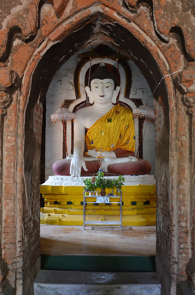 DSC_3915-shwe-hti-saung-buddha.JPG