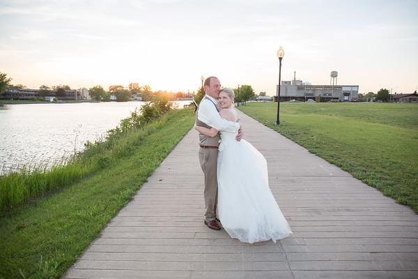 Alpena, Michigan Wedding Photography Lisa + Justin