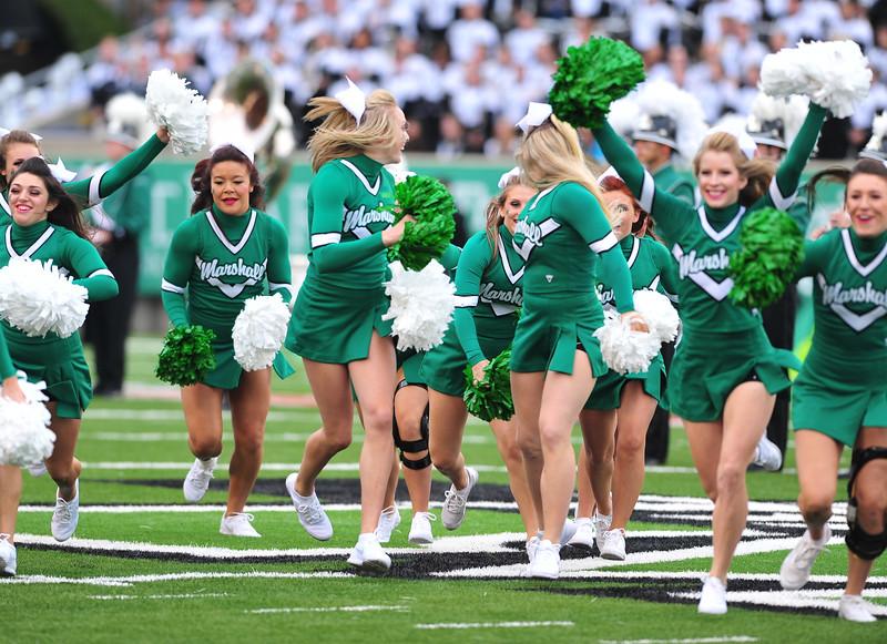 cheerleaders3825.jpg