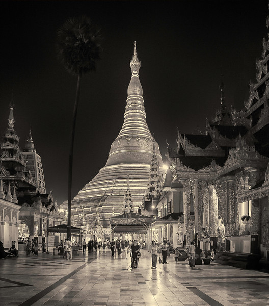 Shwedagon Pagoda at Night. Yangon.Myanmar.
