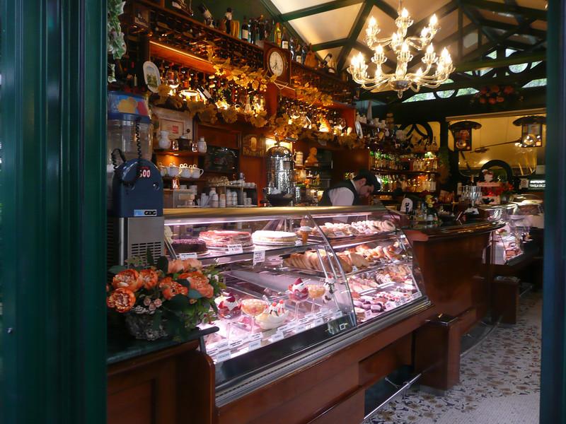 Cafe, Rome, Italy f1312011,