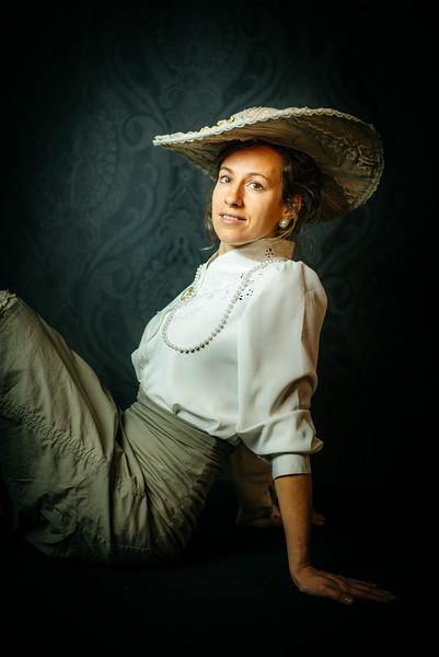 portret-BelleEpoque-Esther-studio-27.jpg
