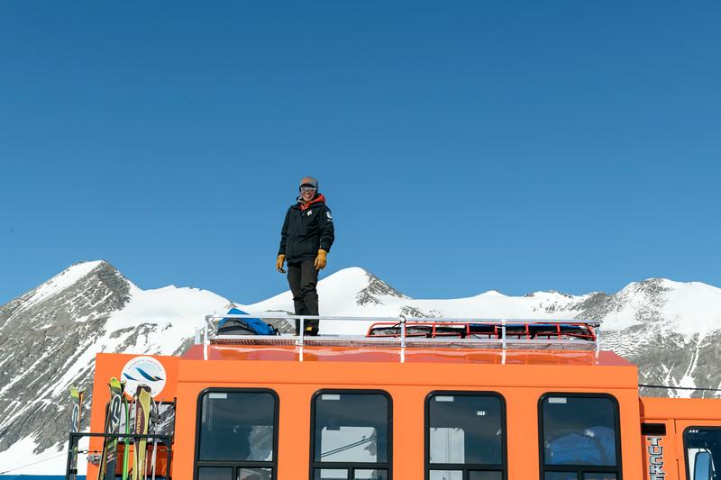 Climb Antarctica Women -1-11-18098804.jpg