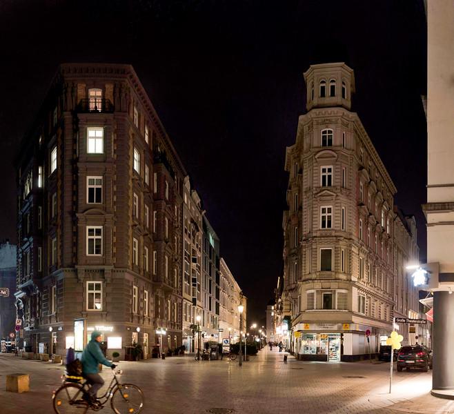 Colonnaden Hamburg am Abend