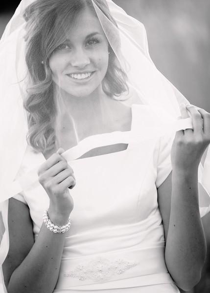 Amy Bridals 102bw.jpg