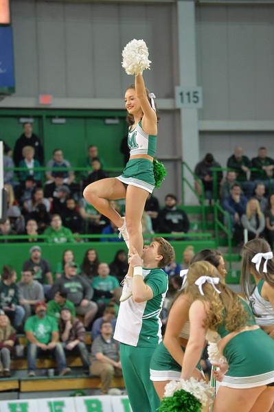 cheerleaders8420.jpg