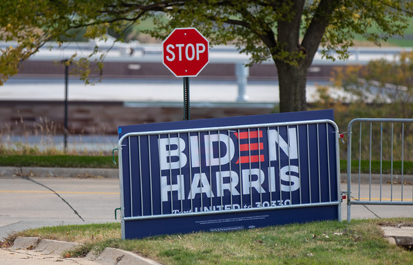 Dr Jill Biden and Doug Emhoff drive in rally Cedar Rapids, IA 9-26-2020