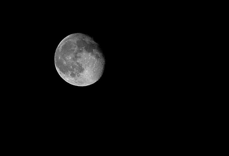 tonight's moon.jpg
