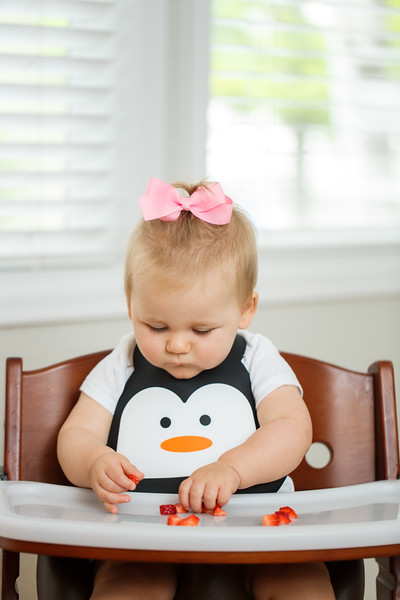 Make_My_Day_Bib_Penguin_lifestyle (46).JPG