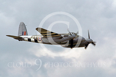 Flying British RAF de Havilland Mosquito Airplane Pictures