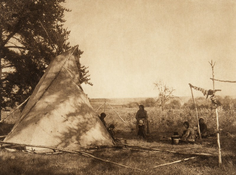 Cree fishing camp (The North American Indian, v. XVIII. Norwood, MA, The Plimpton Press,  1928)