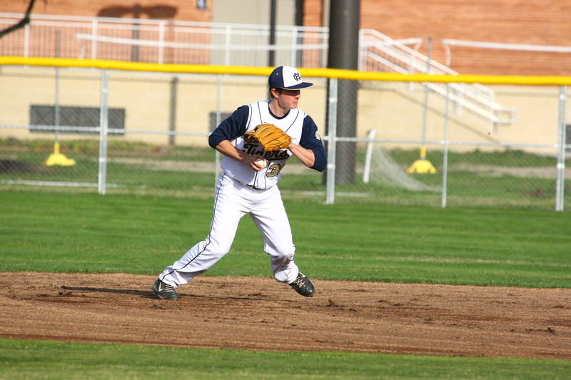 \\hcadmin\d$\Faculty\Home\slyons\HC Photo Folders\HC Baseball vs SCC_1st Home Game_2_12\6W2Y8956.JPG