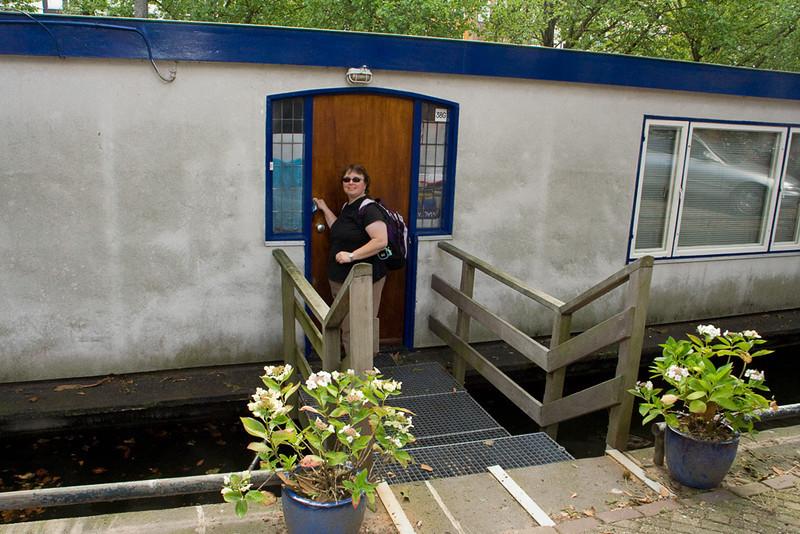 Our houseboat. 38G Nicolaas Wittsenkade