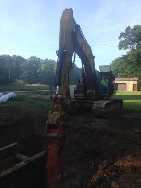 NPK GH15 hydraulic hammer on Cat 336EL excavator (9).JPG