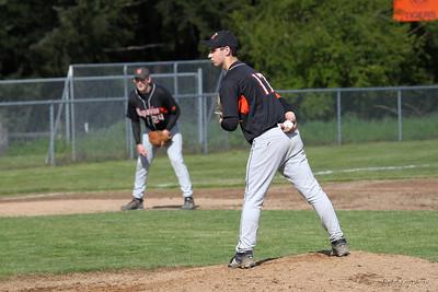2010-0506-baseball-nhs-toutle