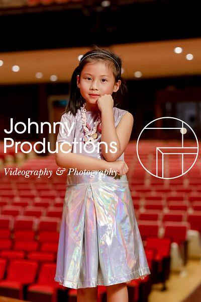 0008_day 1_orange & green shield portraits_red show 2019_johnnyproductions.jpg