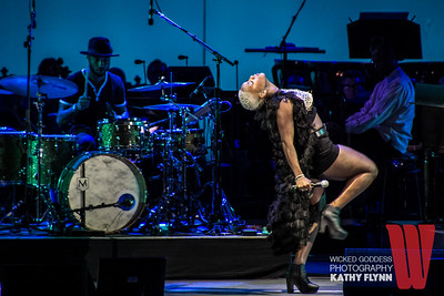 Liv Warfield Hollywood Bowl
