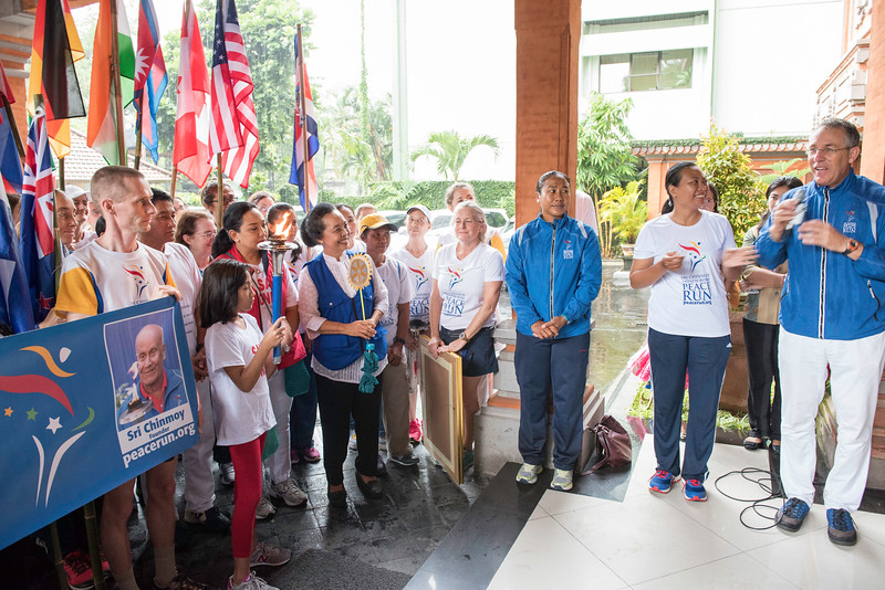 20170202_Peace Run Denpasar w_Mayor_028.jpg