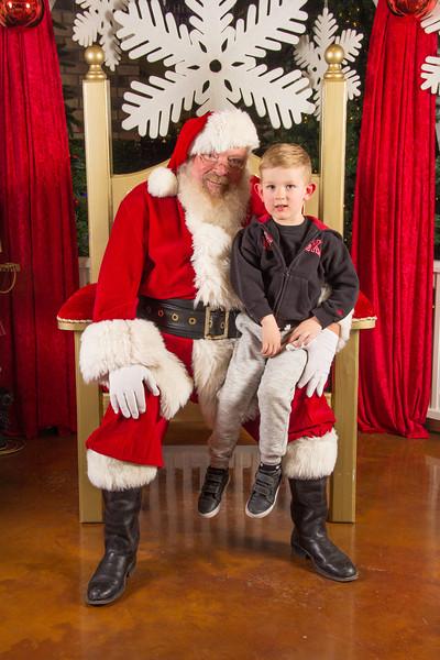 Santa 12-16-17-352.jpg